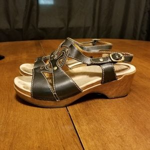 B36 Dansko Women's Brown Sandal Wood Clog Heel 40